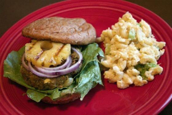 Tropical-Burger-and-macaroni-salad