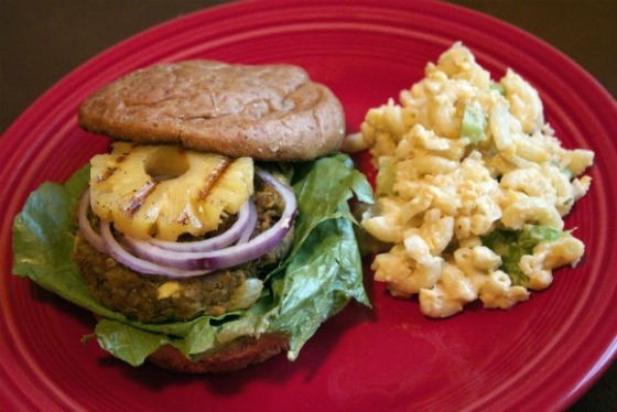Tropical-Burger-and-macaroni-salad