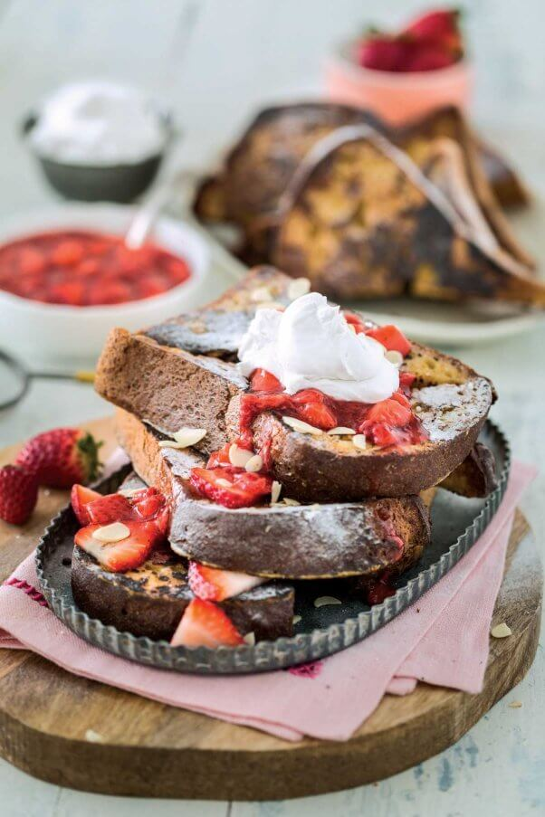 Vanilla-French-Toast-with-Strawberry-Sauce-602x903