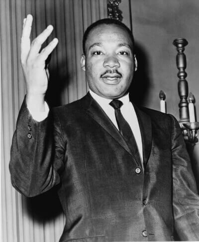 Martin_Luther_King_Jr-400x485